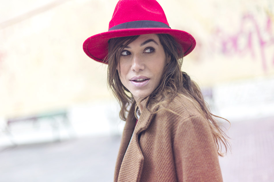 street style leonce shop top red hat and boots 08