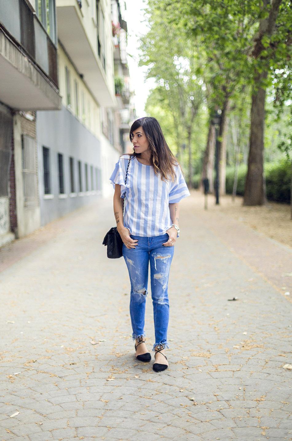 street style shein shirt zara jeans hakei sandals 07