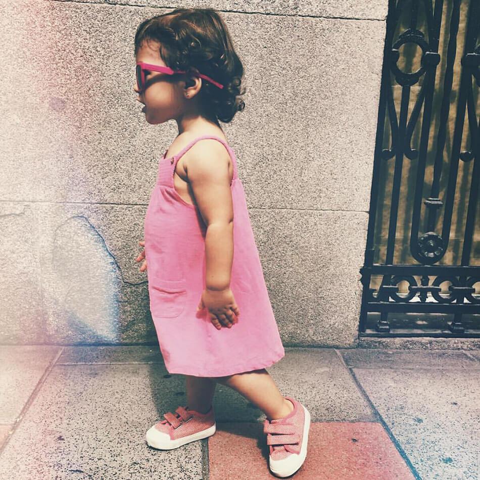 bebé niña modelo