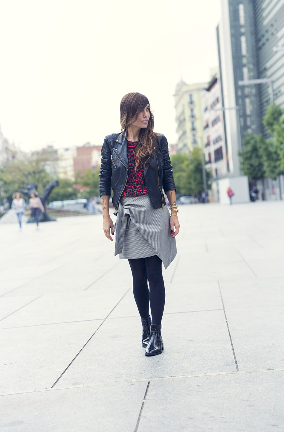 street-style-bimba-y-lola-top-zara-skirt-mango-perfecto-02