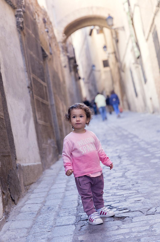 street-style-toledo-calles-denim-black-jeans-05