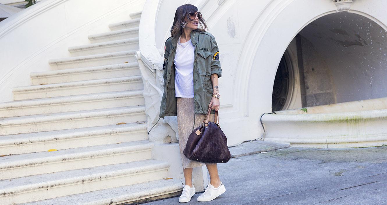 street-style-chloe-sunglasses-mango-sneakers-skirt-ralph-lauren-coat-01