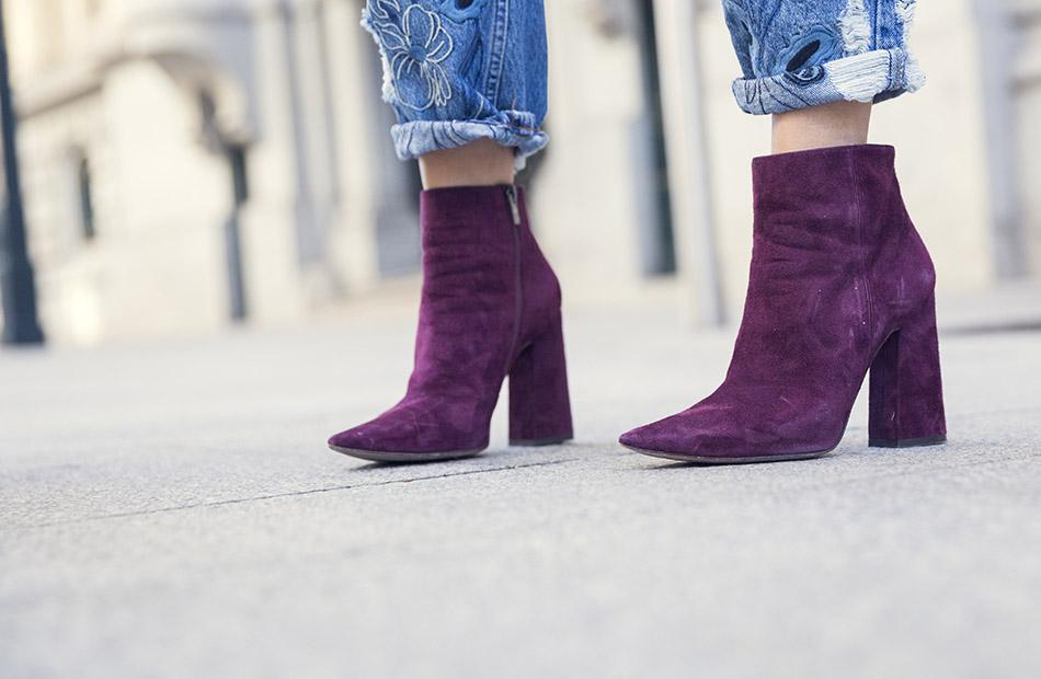 street-style-pura-lopez-boots-chloe-sunglasses-denim-jeans-04
