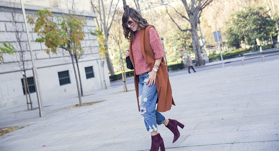 street-style-pura-lopez-boots-chloe-sunglasses-denim-jeans-05
