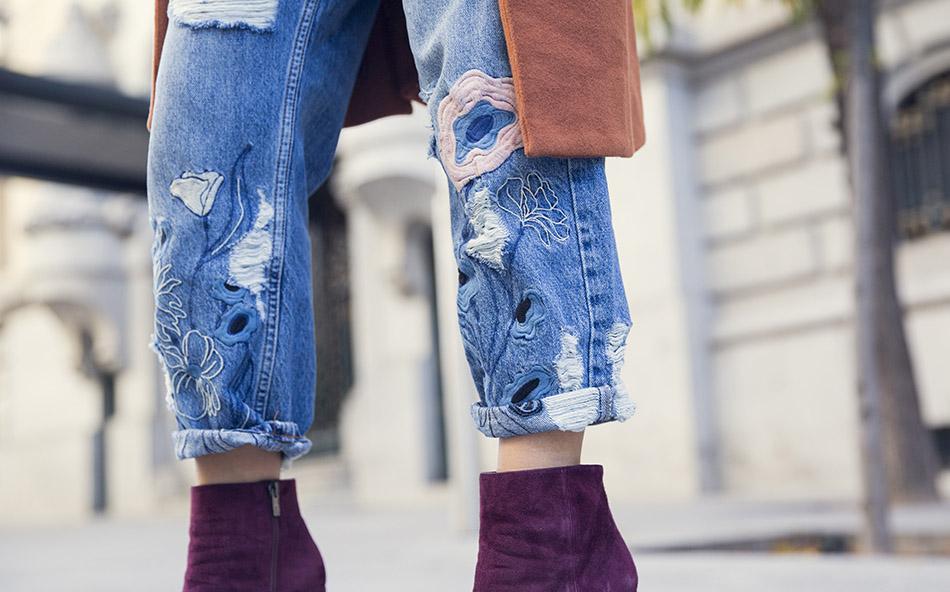 street-style-pura-lopez-boots-chloe-sunglasses-denim-jeans-14