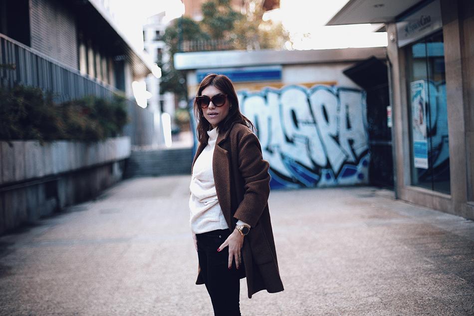 Bárbara Crespo street style. Animal print ankle boots. Botines/Boots: MANGO. Gafas/sun glasses: Celine. Trendy outfit