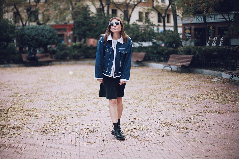 Bárbara Crespo street style. Fleece Lined Denim Jacket/chaqueta: Romwe. Jeans: MANGO. Gafas/sun glasses: Mango. Trendy outfit