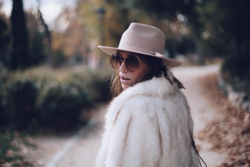 Bárbara Crespo street style. Chloé sun glasses/gafas. Trendy outfit