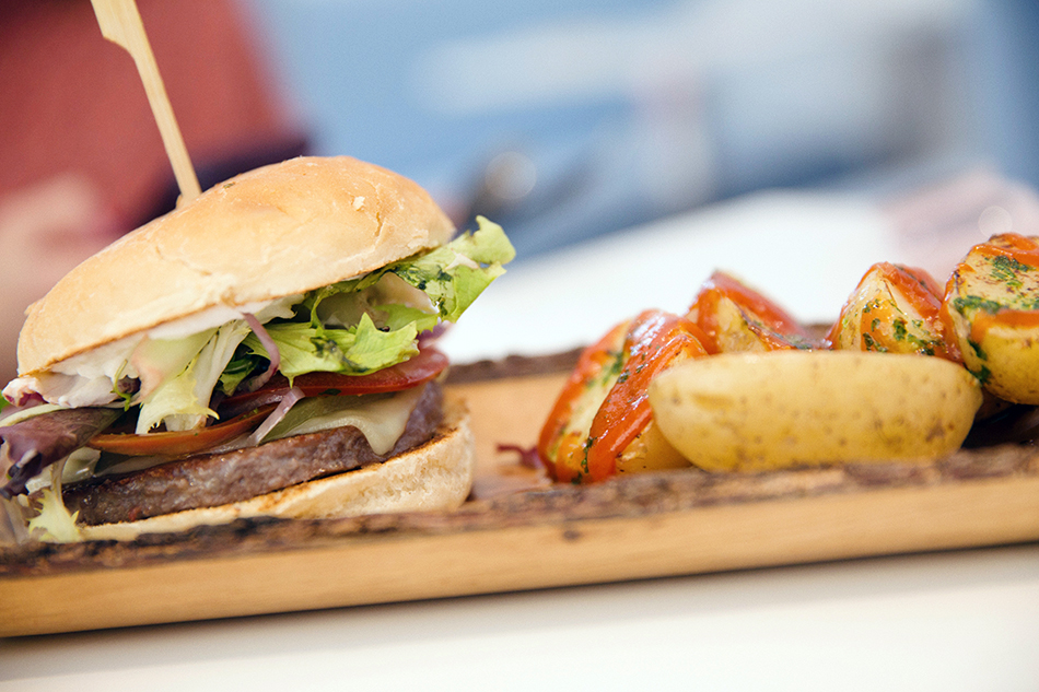 happy green / restaurante healthy de ensaladas y fit bowls / hamburguesa veggie