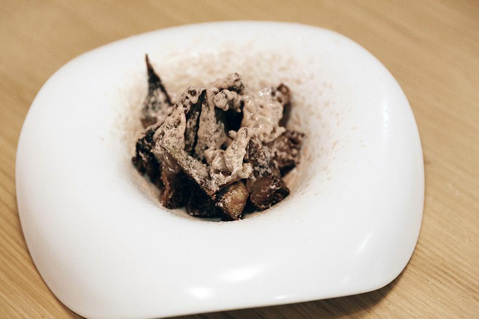 bistró especializado en platos de cerdo