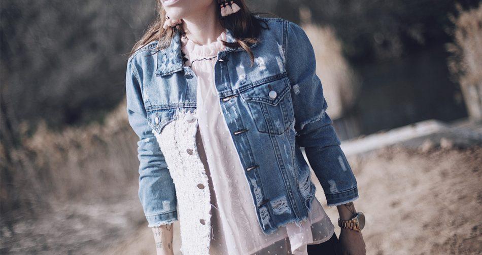 Barbara Crespo streetstyle/ ripped, tweed and denim jacket / Chaqueta vaquera: Little, HERE Blouse /Blusa: Romwe, HERE Jeans:Reiko Botas/Boots: Mango Pendientes/Earrings: Mango Bolso/Bag: Michael Kors Gafas de sol/Sunglasses: Rayban Cap/Gorra: Mango