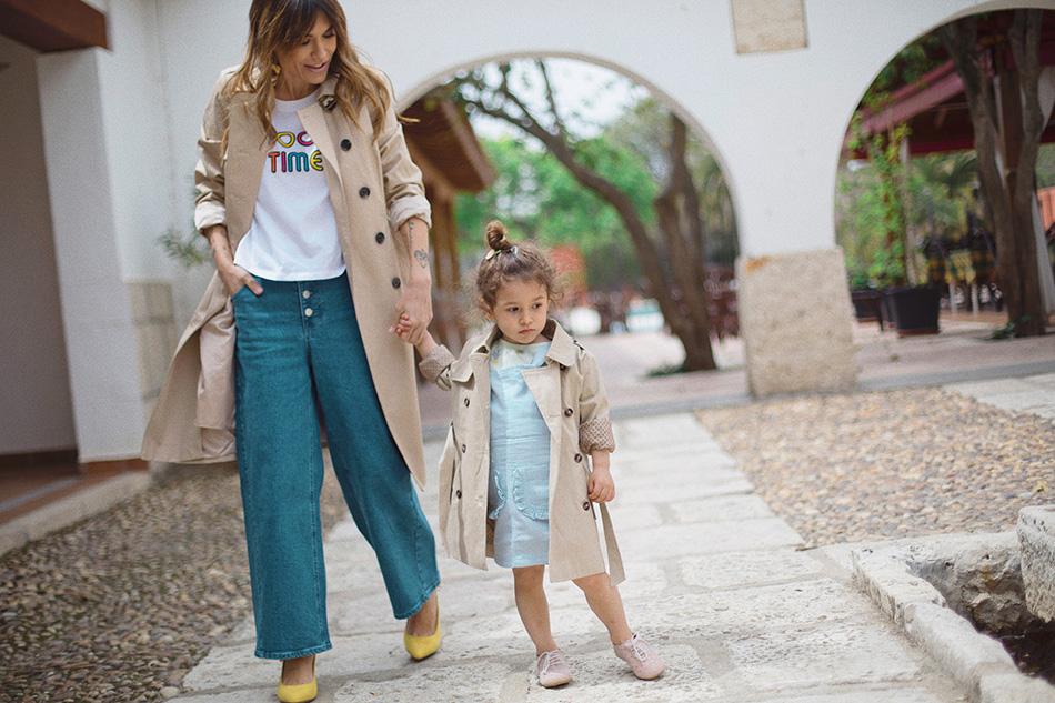 Bárbara Crespo y Chloé / trench / La Redoute