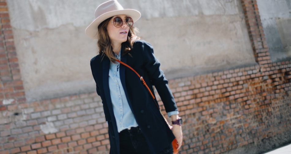 Blazer: Kiabi. Denim shirt / Camisa: Kiabi. Hat / Sombrero: Lack of Color. Boots / Botas: It Shoes. Bag / Bolso: Michael Kors. Watch / Reloj: Michael Kors. Sunglasses / Gafas: Chloé