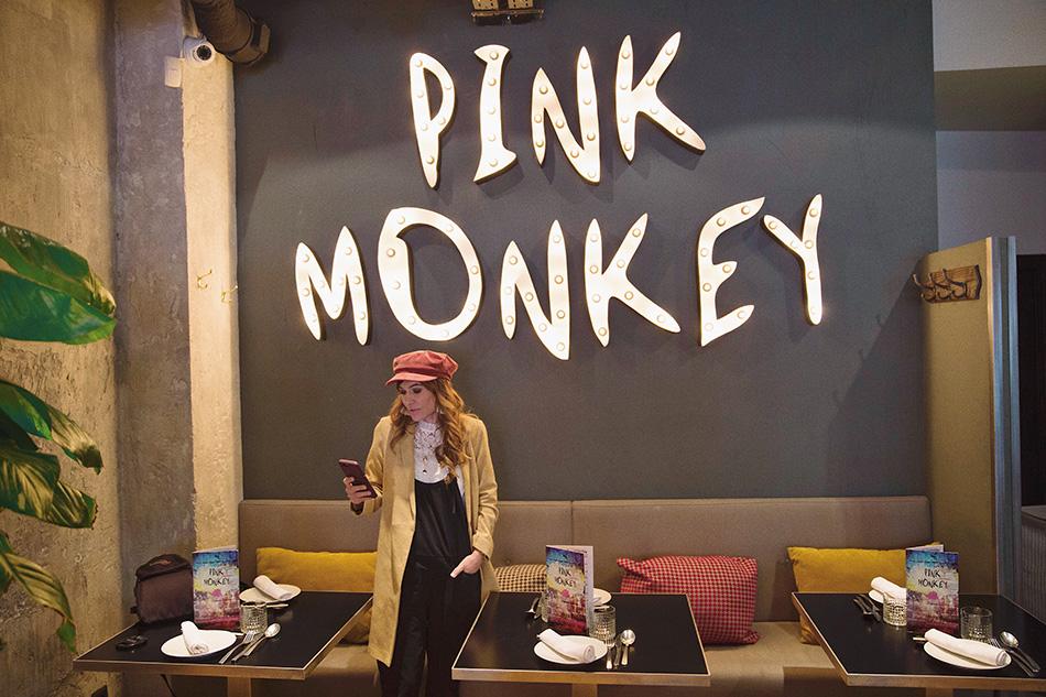 restaurante de cocina fusión pink monkey