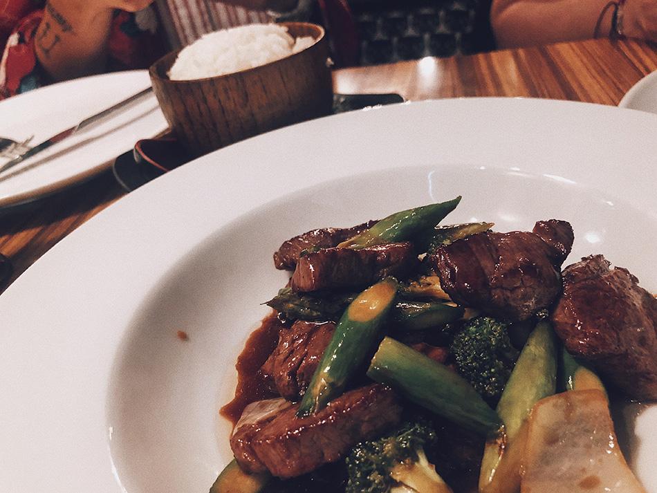 wok de solomillo