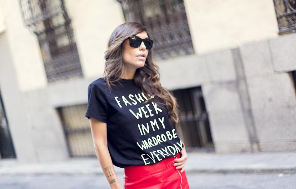 moda atractiva precios increibles calidad confiable street-style-mango-red-mini-skirt-tshirt-leopard-ankle-boots ...