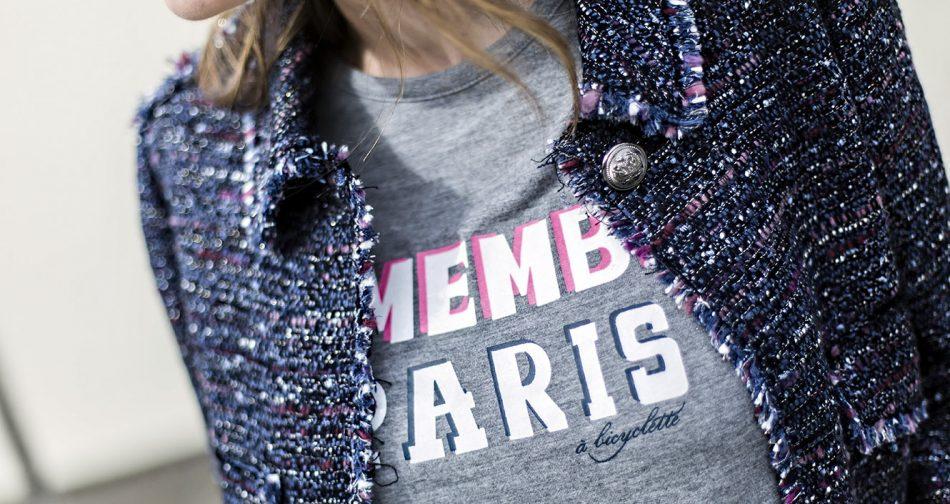 look de street style con chaqueta de tweed de Zara estilo Chanel, jeans pitillo, zapatillas adidas, bolso de purificación garcia