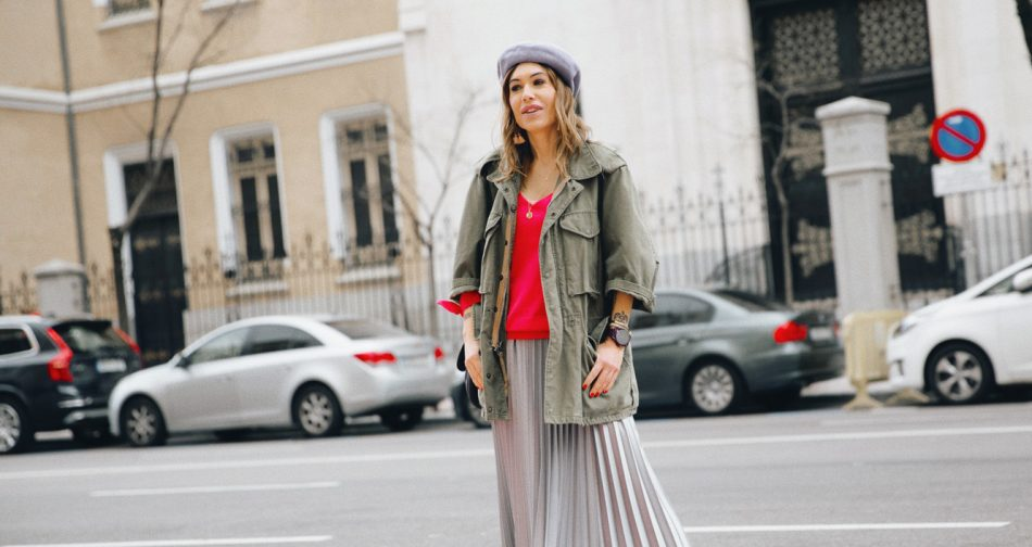 Bárbara Crespo streetstyle / Military trench Pleated skirt / Falda: Mango Sweater / Jersey: Kiabi Beret / Boina: Mango Sneakers / Zapatillas: Adidas Bag / Bolso: Marc Jacobs Watch / Reloj: Michael Kors