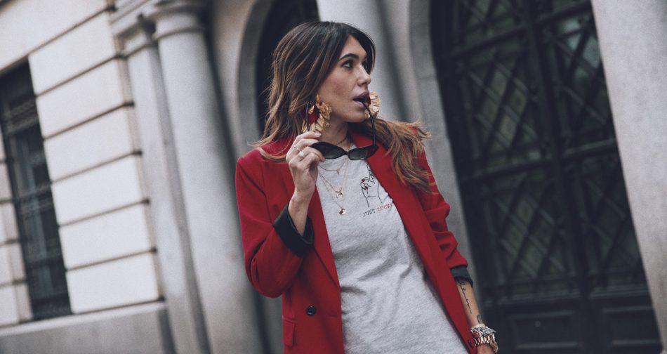 Bárbara Crespo streetstyle. T-shirt / Camiseta: Kiabi. Jeans: Reiko. Bag / Bolso: Chanel. Choker : Parfois. Sandals / Sandalias: Mango. Sunglasses / Gafas de sol: Chanel. Watch / Reloj: Michael Kors.