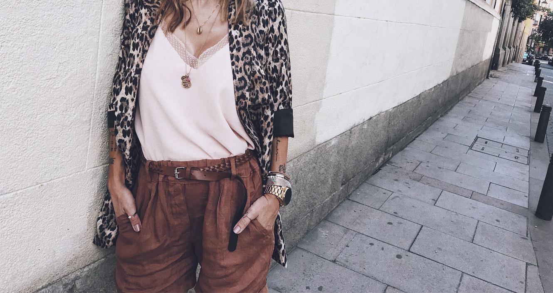 Bárbara Crespo streetstyle. Animal print blazer. Trendy look