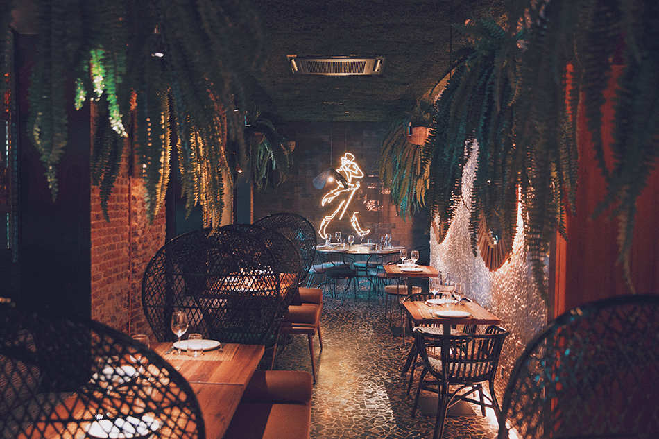 Restaurante Raimunda. Cocina española con aires iberoamericanos. Ensaladilla rusa. Terraza. Madrid