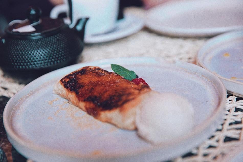 Restaurante Raimunda. Cocina española con aires iberoamericanos. Ensaladilla rusa. Terraza. Madrid. torrija
